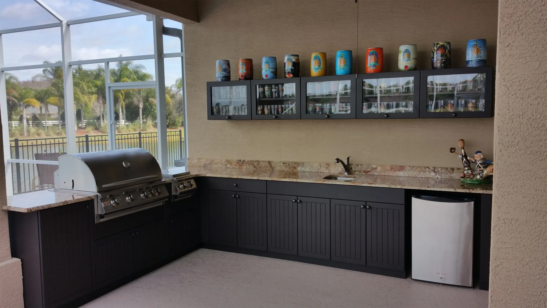 Outdoor kitchen with bar