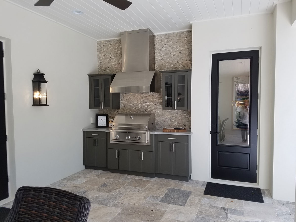outdoor kitchen features